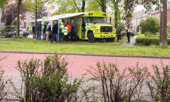 25 oktober Energiebus van Verbeter & Bespaar voor informatie over duurzaamheidsmaatregelen en het asbestdakenverbod in Wipstrik bij de Spar
